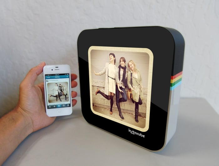Instant Photo Viewing With The Instagram Instacube