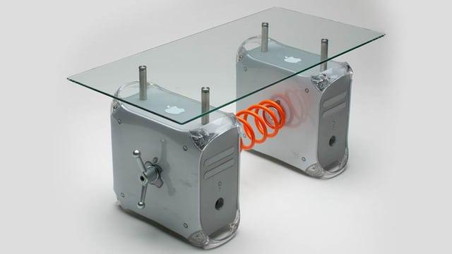 retro-table-g4-mac