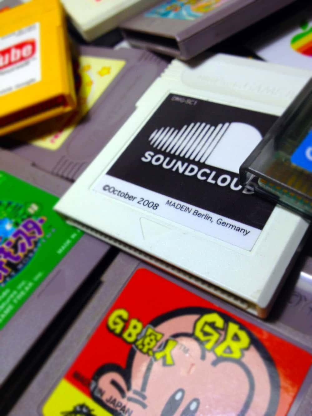 Nintendo-Game-Boy-Social-Media