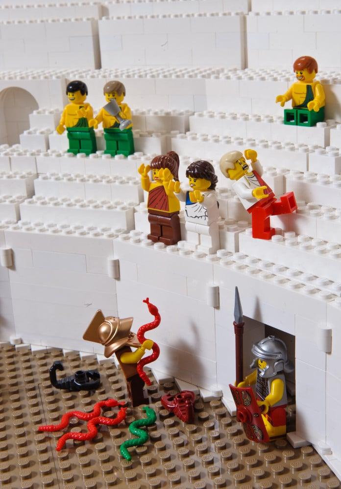 Huge-Lego-Roman-Colosseum-Build