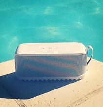 Jabra Solemate Portable Bluetooth Speaker: A Poolside Review
