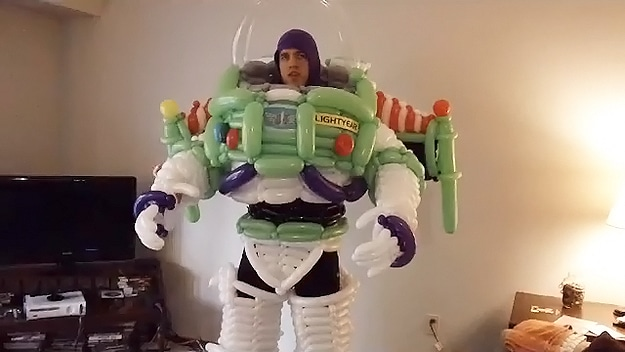 Balloon Twisting Goes Epic With Buzz Lightyear & Ninja Turtles