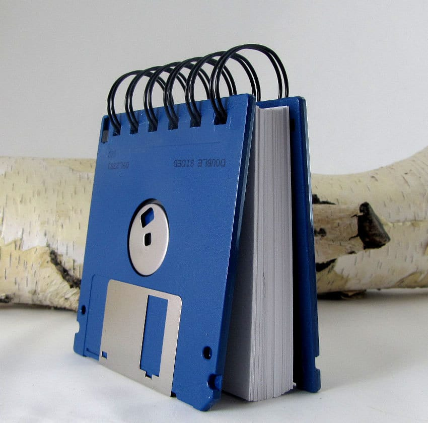 simple-recycling-floppy-notebook