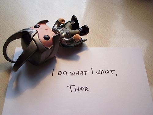 Bobblehead-Avengers-Thor-Paper-Humor