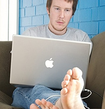 Telecommuting Habits: Clocking In From The Couch [Infographic]