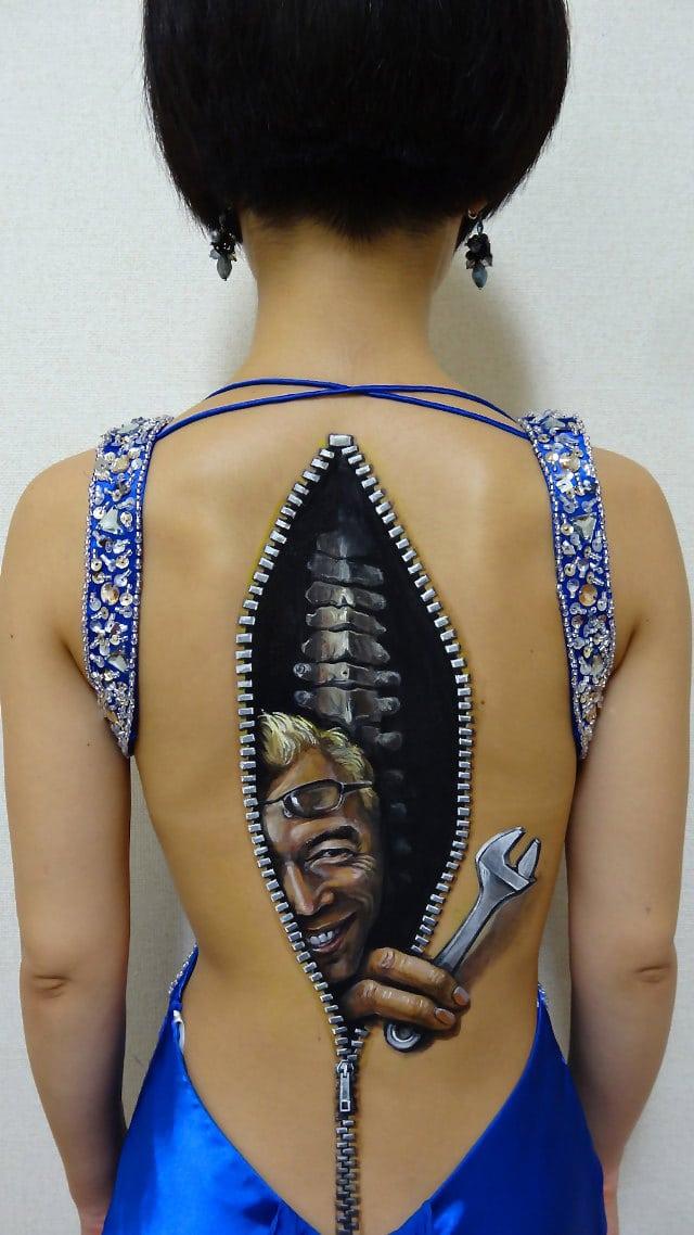 body-painting-art-zipper-design