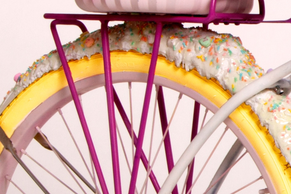 candy-bike-dispenses-cupcakes