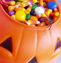 Ultimate Guide For Scoring The Most Halloween Candy & Trading It