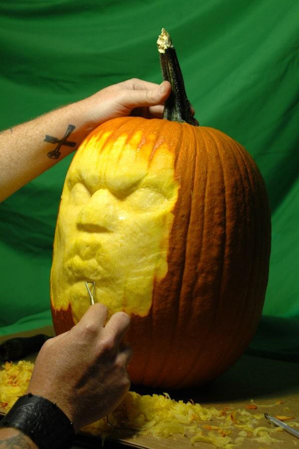 badass-pumpkin-carving-design