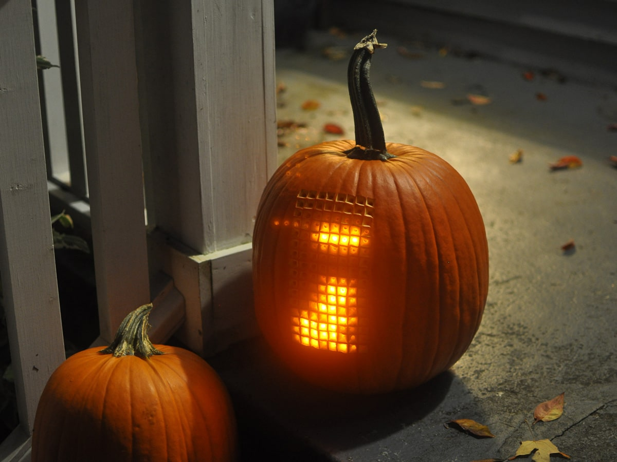 extreme-pumpkin-playable-tetris-carving
