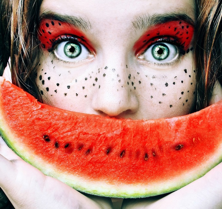 Fruit Faces: Extraordinary Self-Portraits Created With Fruit & Colors