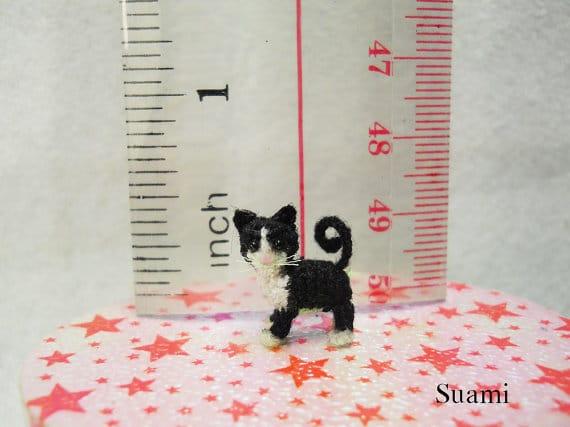 handmade-crocheted-tuxedo-cat