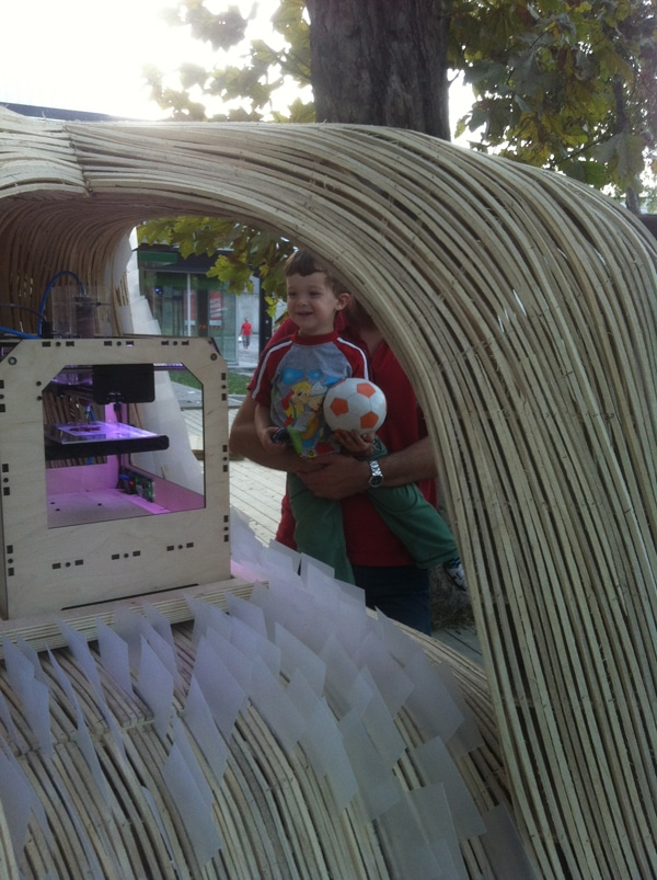 Futuristic Printing Food Carts