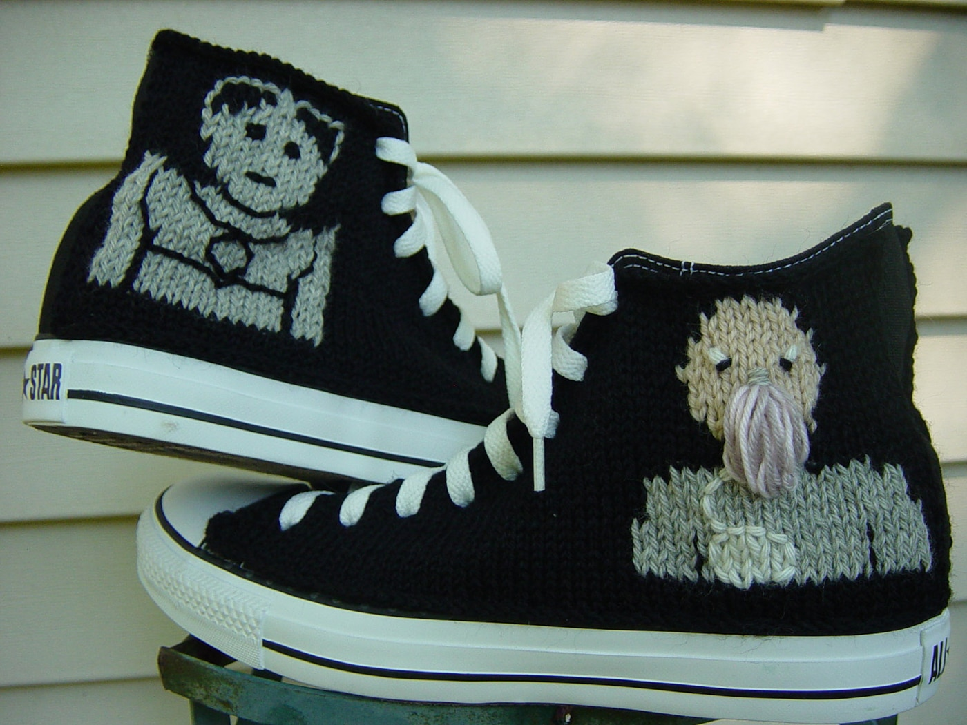 doctor-who-tardis-converse-sneaker