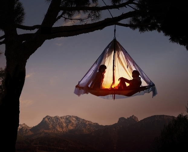 Extreme Camping With Amazing Hanging Tents