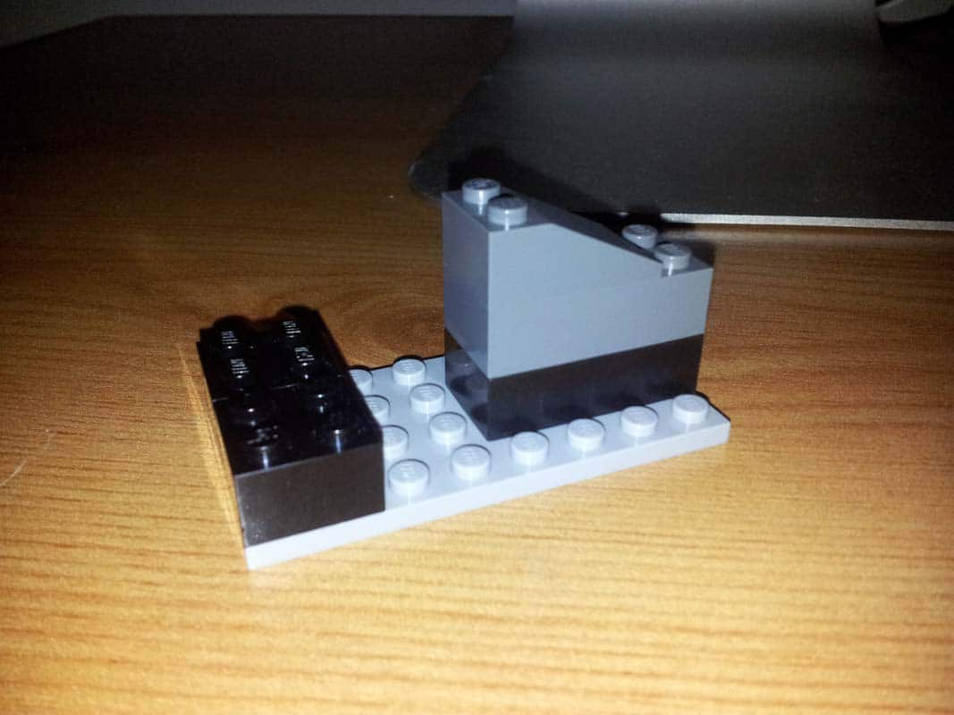 simple-lego-ipad-stands