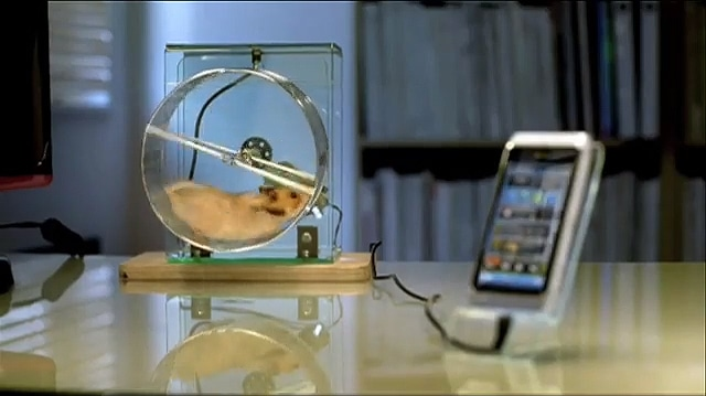 smartphone-charger-hamster-prototype