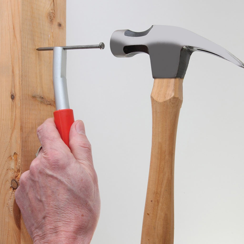 DIY Enthusiasts: The Magnetic Tool That Eliminates Smashed Fingers