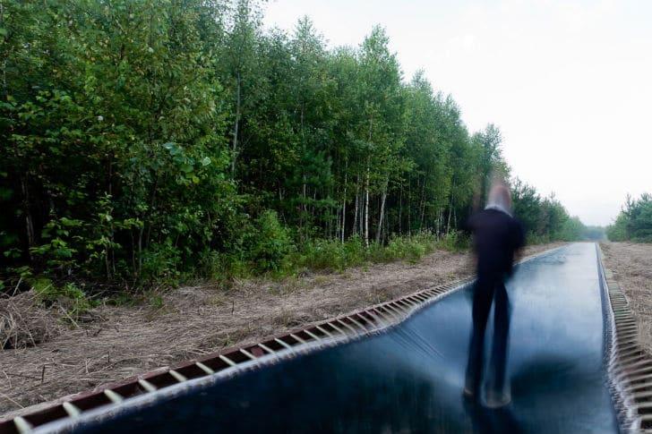 trampoline-sidewalk-walk-to-work