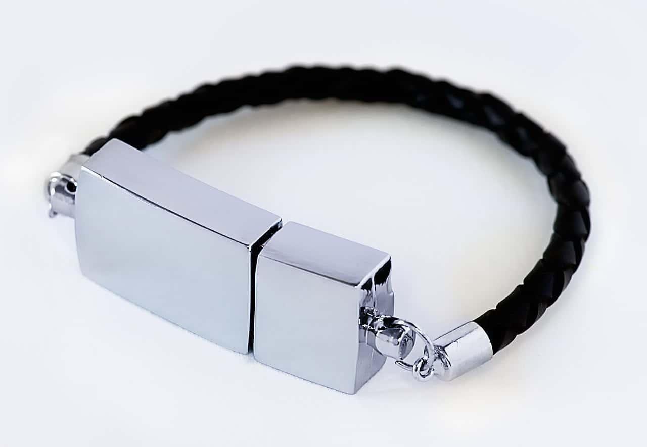 usb-bracelet-geek-jewelry