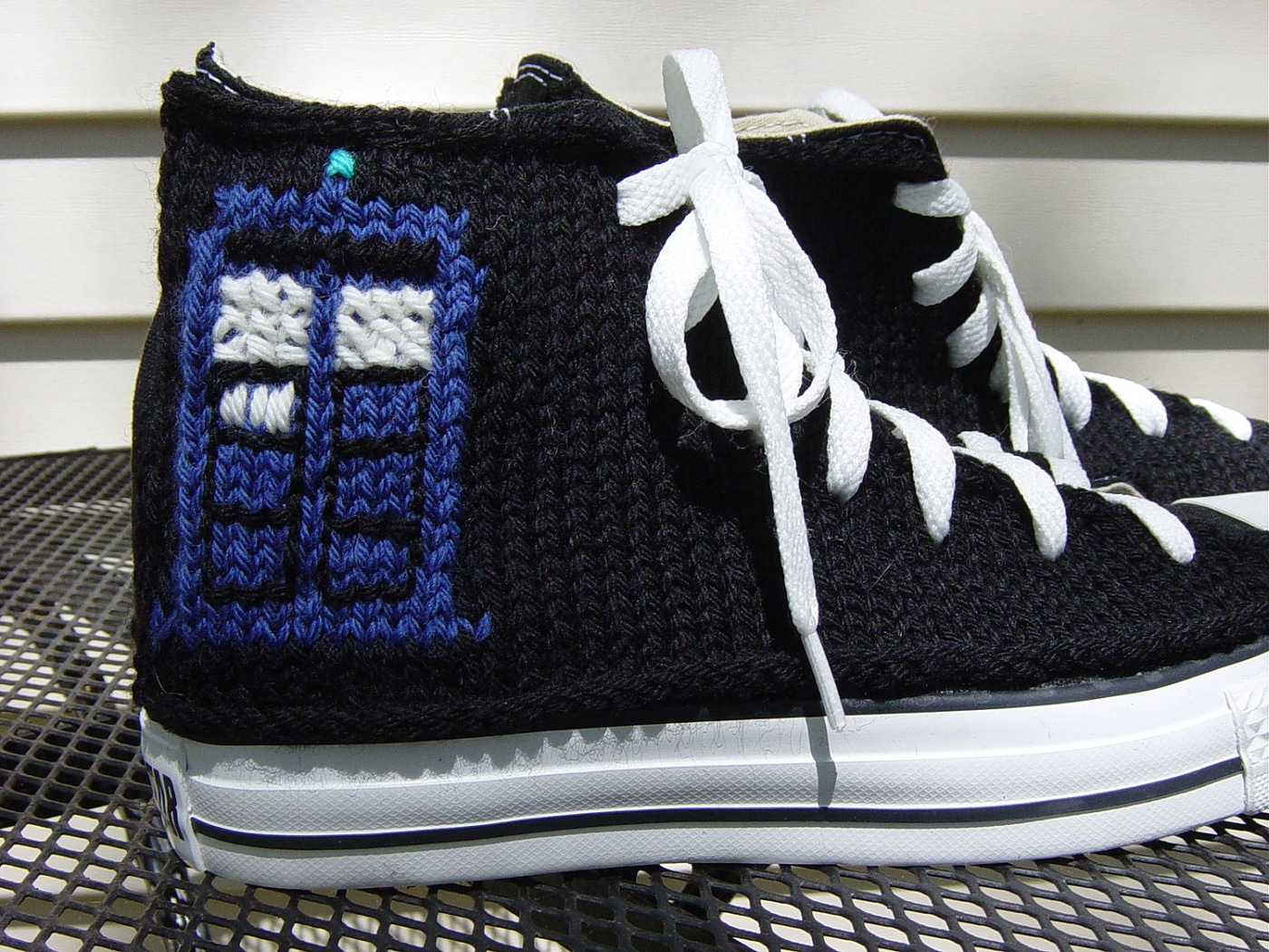 knitted-gamer-converse-sneaker-designs