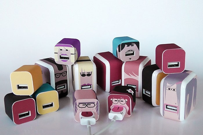 whooz-personalized-apple-chargers