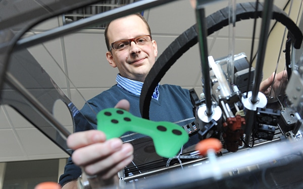 Creating Simple Electronics Through 3D Printing Is Now Possible