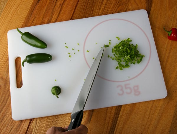Next Gen Cutting Board Has An Embedded Scale