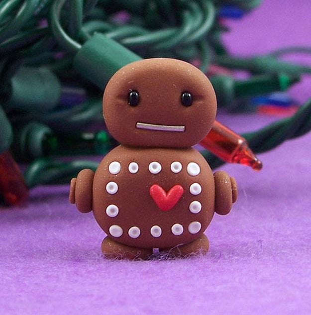 gingerbread-robot-holiday-spirit
