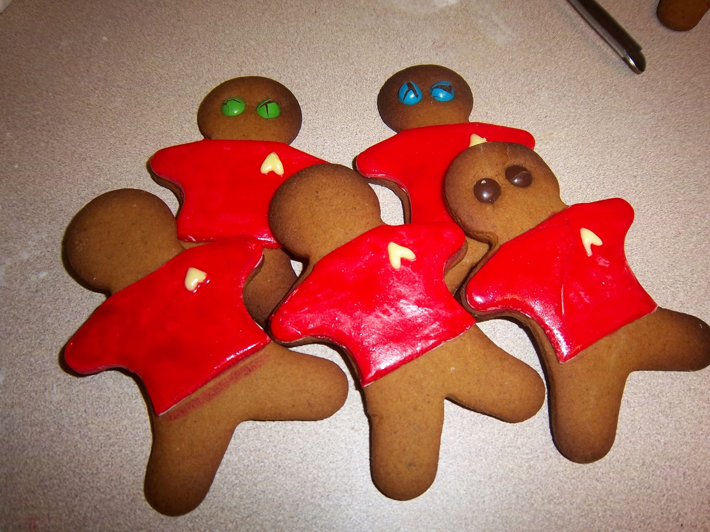 gingerbread-star-trek-holiday-spirit