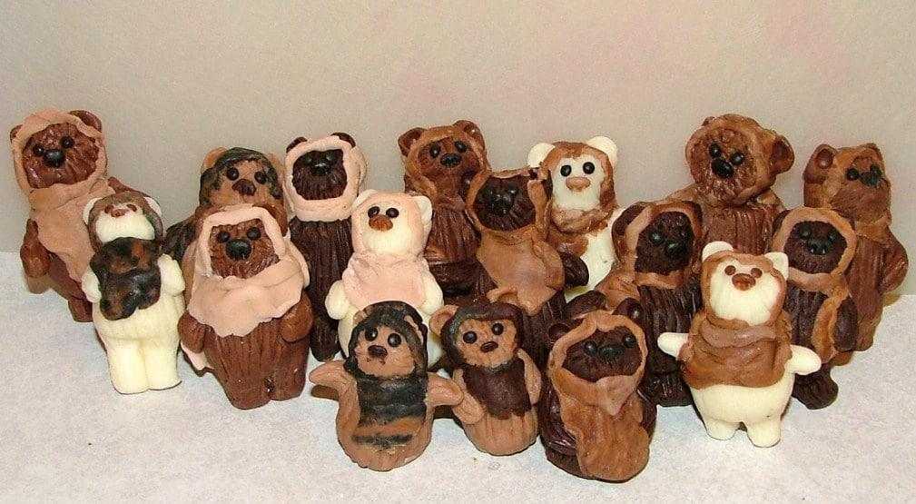 gingerbread-ewoks-holiday-spirit