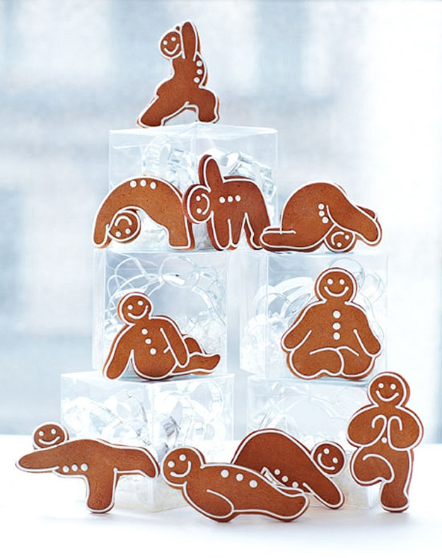 gingerbread-yoga-poses-holiday-spirit