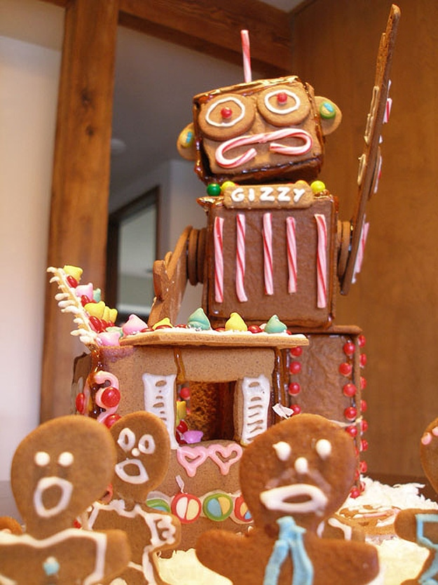 gingerbread-robot-candy-holiday-spirit