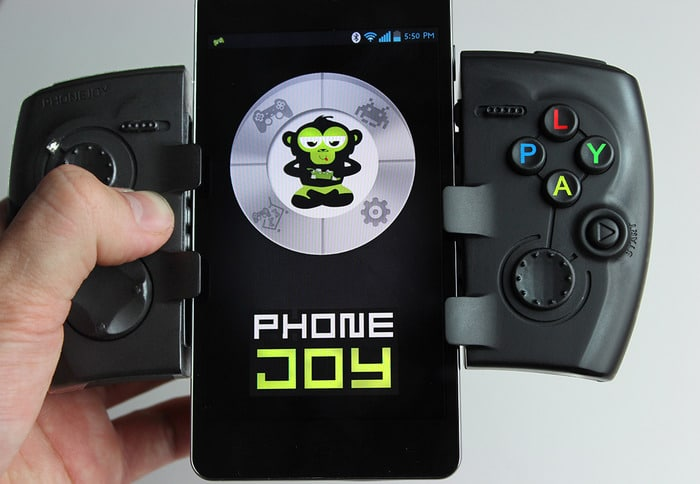 handheld-console-iphone-accessory
