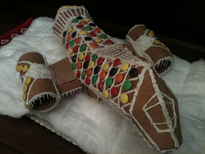 gingerbread-serenity-spaceship-holiday-spirit