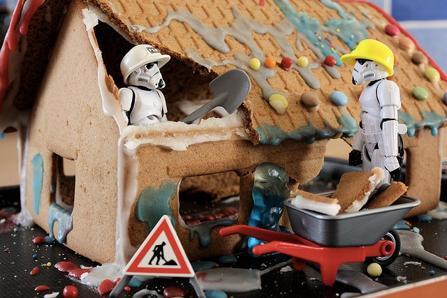 stormtrooper-gingerbread-house-holiday-spirit