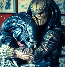 Sci-Fi Fantasy Cosplay: Alien & Predator Are Best Buddies After All