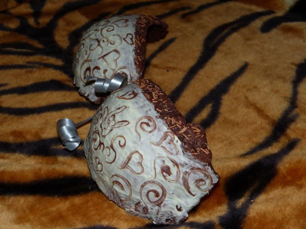 diy-edible-cookie-bra-mold