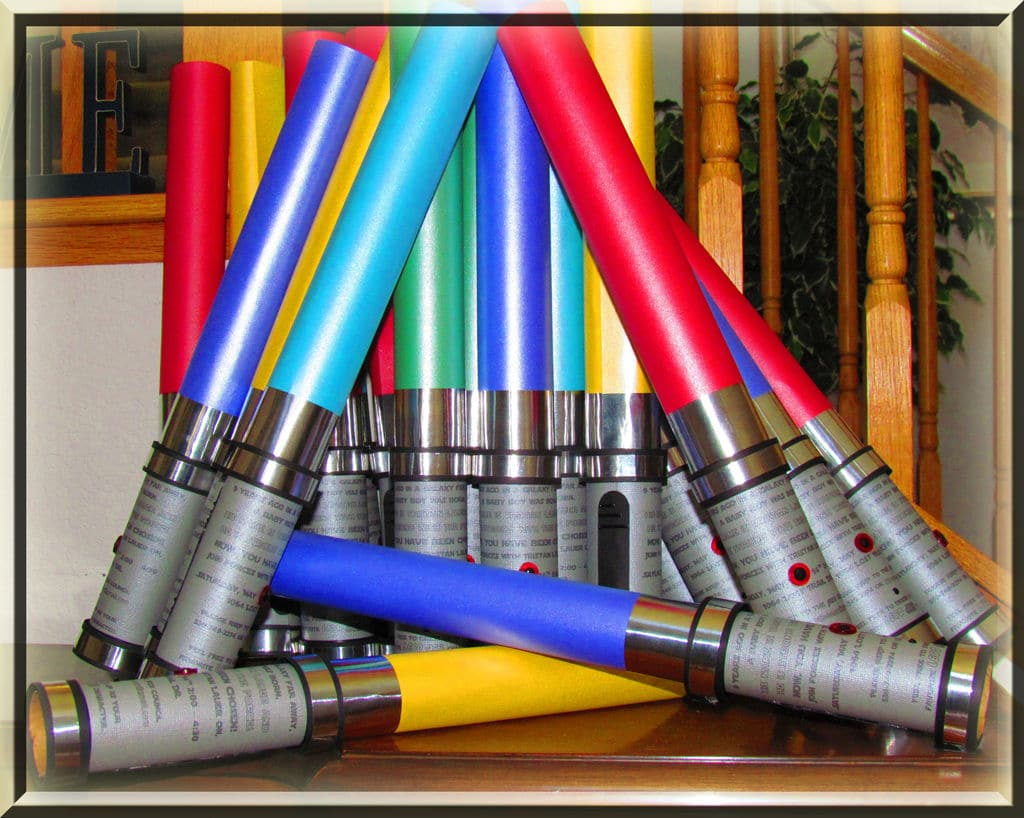 DIY Star Wars Lightsaber Party Invitations
