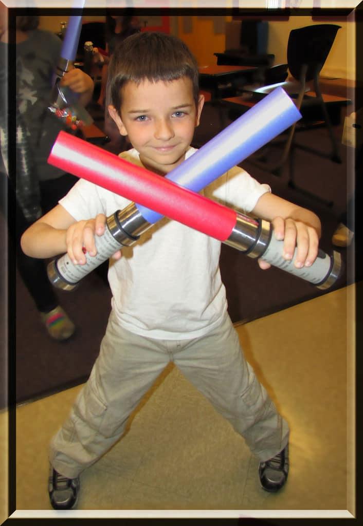 star-wars-lightsaber-invitations