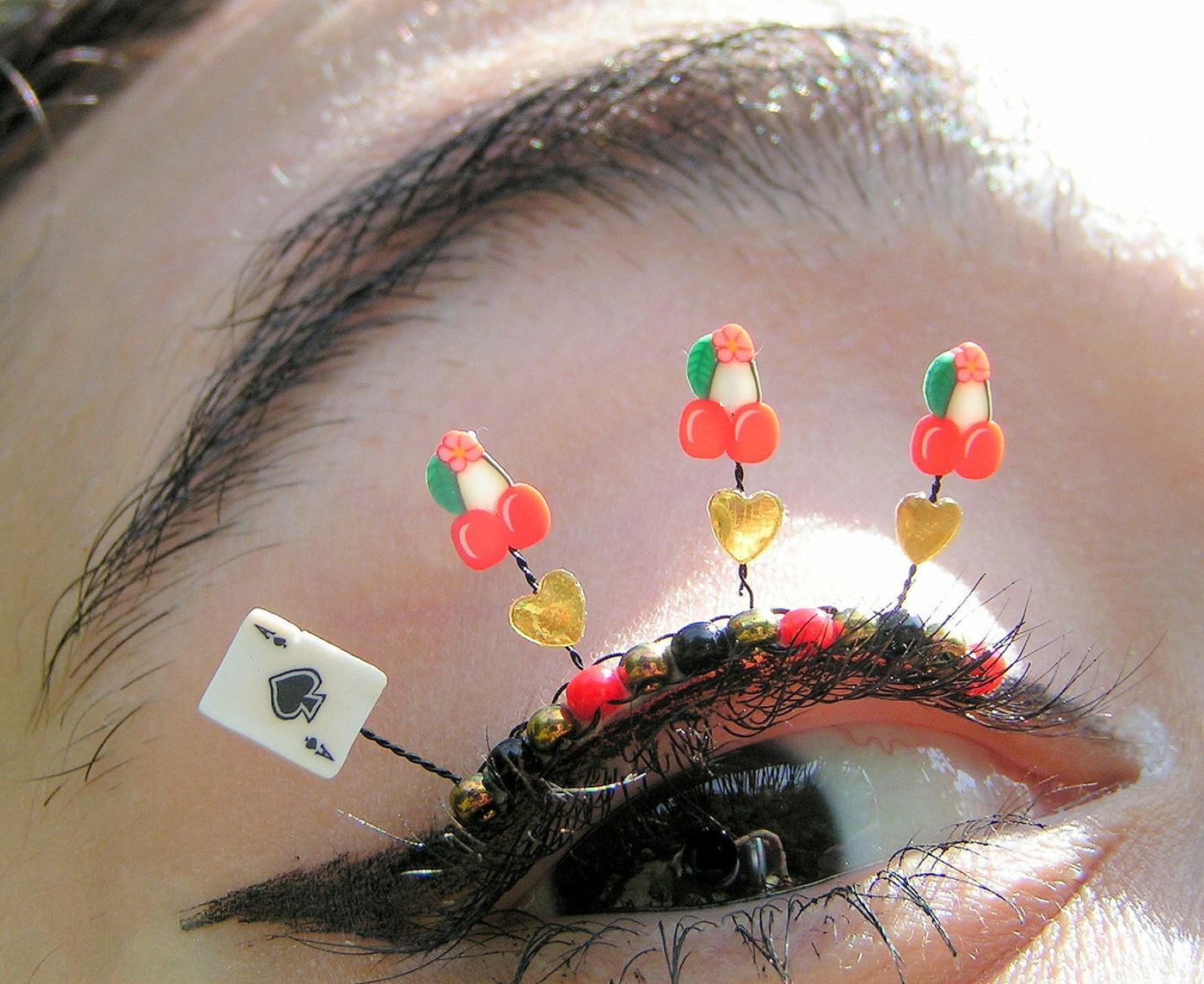 extreme-eyelashes-jewelry-art
