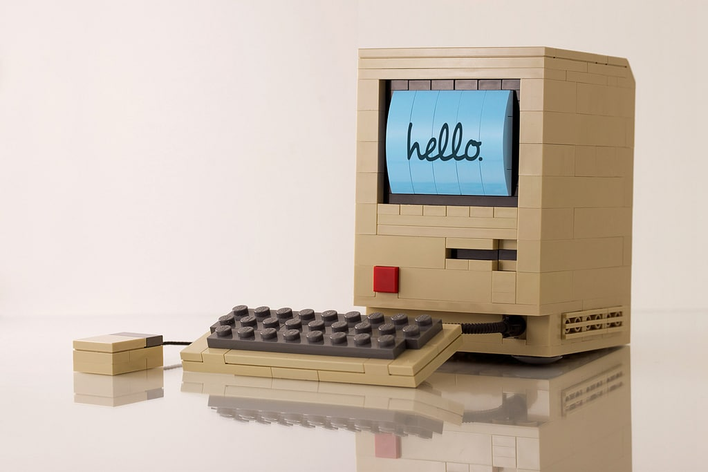 The First Macintosh Rebuilt In LEGO Looks Just Like The Original