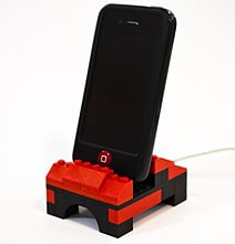 iPhone LEGO Dock Utilizes Your Spare Blocks For Innovation