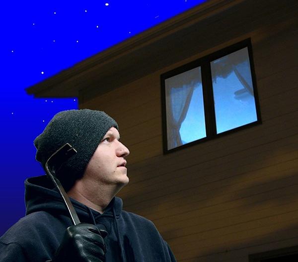 led-fake-tv-burglar