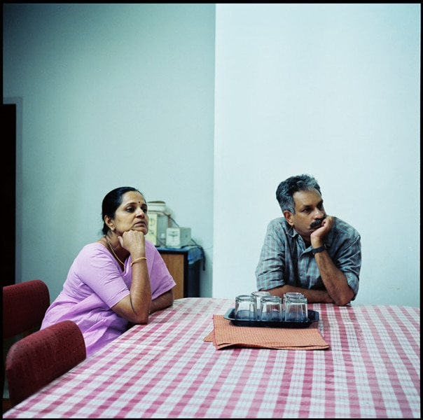 people-watching-television-photography