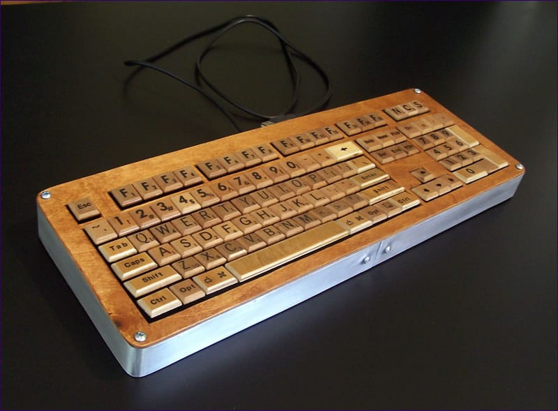 scrabble-game-computer-keyboard-art
