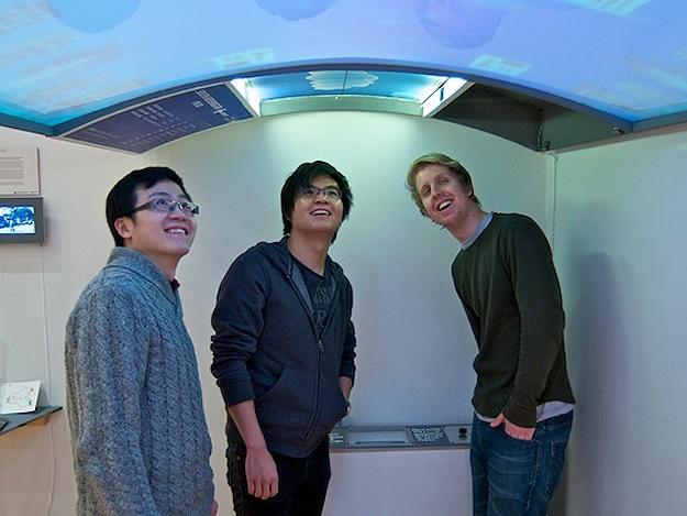 Sunroof Digital Screens Might Soon Grace Subway Cars