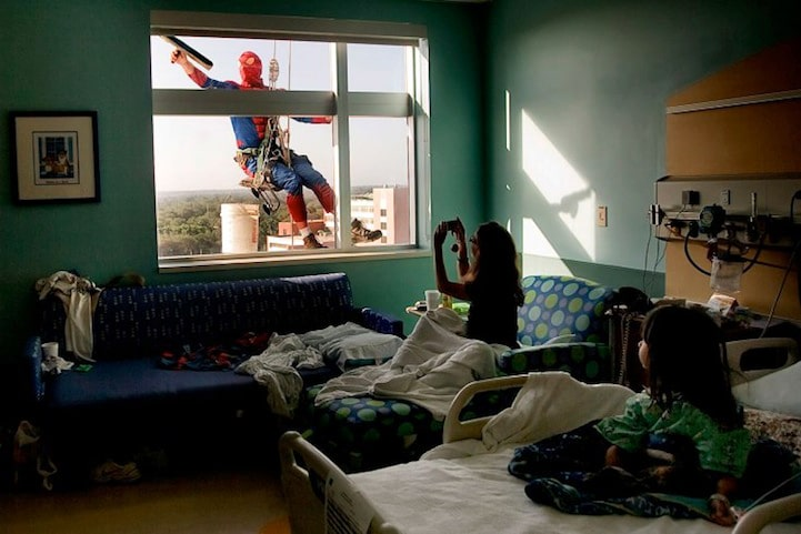 Real Superheroes: Spider-Man Window Washers Surprise Sick Children