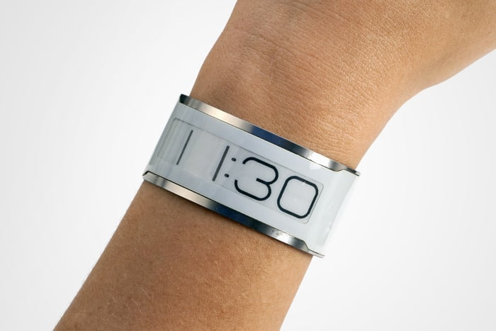 thinnest-e-ink-watch