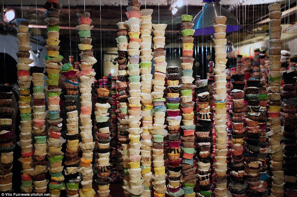 thousands-of-cupcake-tower